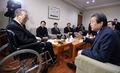 김종필 전 총리 만난 김무성 대표