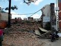 네팔 지진으로 무너진 건물 잔해