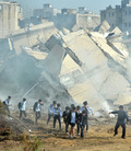 지진발생 '대피하는 학생들'