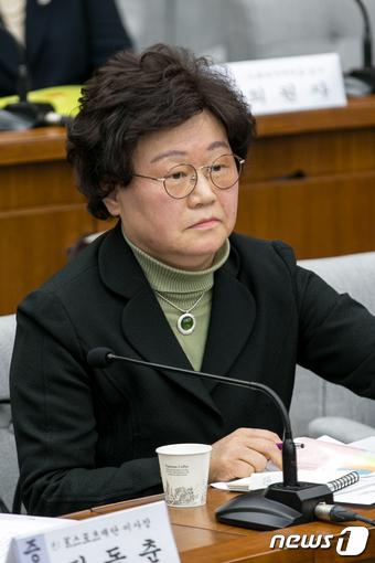 김경숙 이대 학장, 정유라 부정입학 의혹 전면 부인