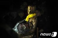 부산소녀상 한일 외교전으로 전면 비화…日 대사 일시귀국 초강수