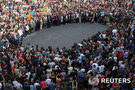 [사진] 자축 집회 갖는 카탈루냐 독립 지지자들