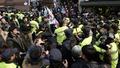 박 전 대통령 사저 앞 '아수라장'