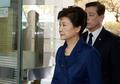 8초간 29자마저 없었다…박근혜 '대국민 메시지' 없이 법정 출석