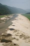 극심한 가뭄에 바닥 드러나는 소양호