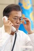 문재인 대통령, 아베 일본총리와 북한 핵실험 논의