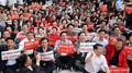 구호 외치는 자유한국당 의원들