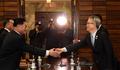 '평창 동계올림픽 북한 예술단 파견 논의합시다'
