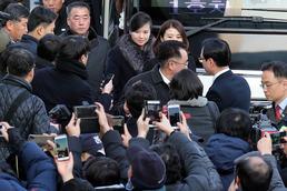 현송월 단장이 이끄는 북한 예술단 사전점검단 방남