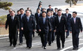 회담장 향하는 북측 대표단