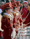 작은 북 치는 북한 응원단