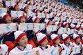 북한 응원단, '한반도기 펼쳐 들고'
