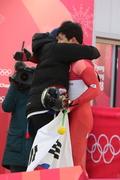 코치와 포옹하는 윤성빈