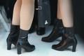 北 응원단 '같은 신발'