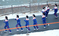 아침운동하는 북한 응원단...'웃으며 달려요'
