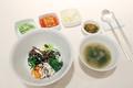 남북정상회담 만찬에 나올 '비빔밥'과 '쑥국'
