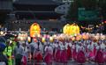 '봄비 속 연등행렬'