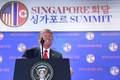[사진] 활짝 웃으며 북미회담 기자회견하는 트럼프