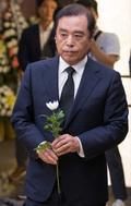 조문하는 김병준 비대위원장