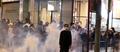 시민에게 최루탄 발사한 홍콩경찰