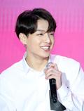 방탄소년단 정국, 황금막내의 심쿵 미소