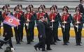 러시아 의장대 첫 사열하는 김정은 北 국무 위원장