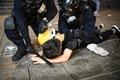 [사진] 시위 중 체포되는 홍콩 시민