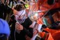 [사진] 치료받는 홍콩 시위대