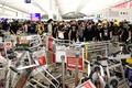 홍콩 공항 또 봉쇄…