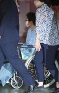 '어깨 통증 호소' 박근혜 전 대통령, 병원 입원