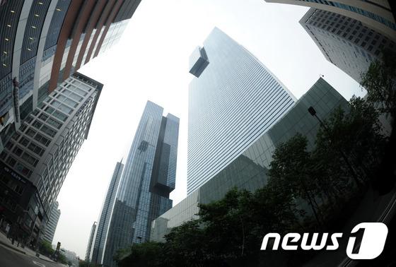연말인사 앞둔 재계 '정중동'…삼성家 인사변화 '관심'