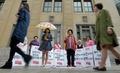 '노인에게도 인권의 우산을...'