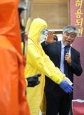에볼라 막는 보호장비는?