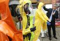 에볼라 막을 보호장비는?