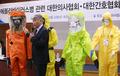 """""""에볼라 의료진 보호장비 강화해야"""""""