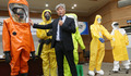 '에볼라 침투 막는 보호장비는?'