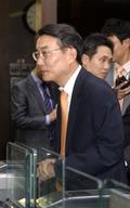 지동현 전 국민카드 부사장 '심층면접 보러'