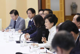 박 대통령, '정상 대화로 풀자'는 아베에 '진정성' 강조