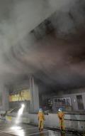 '큰 불길 잡힌 군포 물류센터'