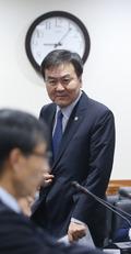 """신제윤 금융위원장 """"은행 혁신성 평가제도 도입"""""""