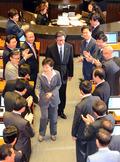 의원들과 인사 나누는 박근혜 대통령