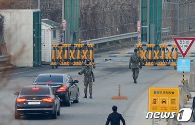 개성 향하는 '이희호 여사 방북' 협의 실무단