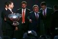 [사진]페더러에 우승덕담 건네는 바흐 IOC위원장