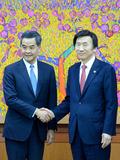 윤병세 장관, 렁춘잉 홍콩 행정수반 면담