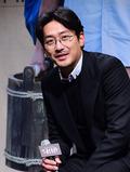 하정우, '감독님의 부드러운 미소'