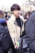 인피니트 우현, '편하게 지나가고 싶어요~'