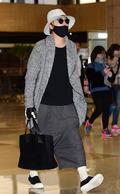 이홍기, 공항 패션은 멋스러운 '치마 바지'