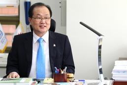 김윤석 사무총장