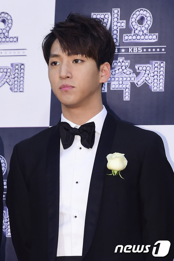 Baro at KBS Gayo Daechukjae red carpet