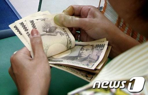 엔/달러 6년래 최고 109엔대 '돌파'…경제 역효과 우려
